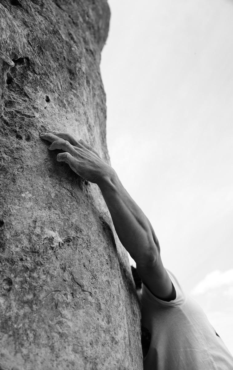 Kletterer Marcel Dippon in der Mastermind (9+) auf der Uracher Alb