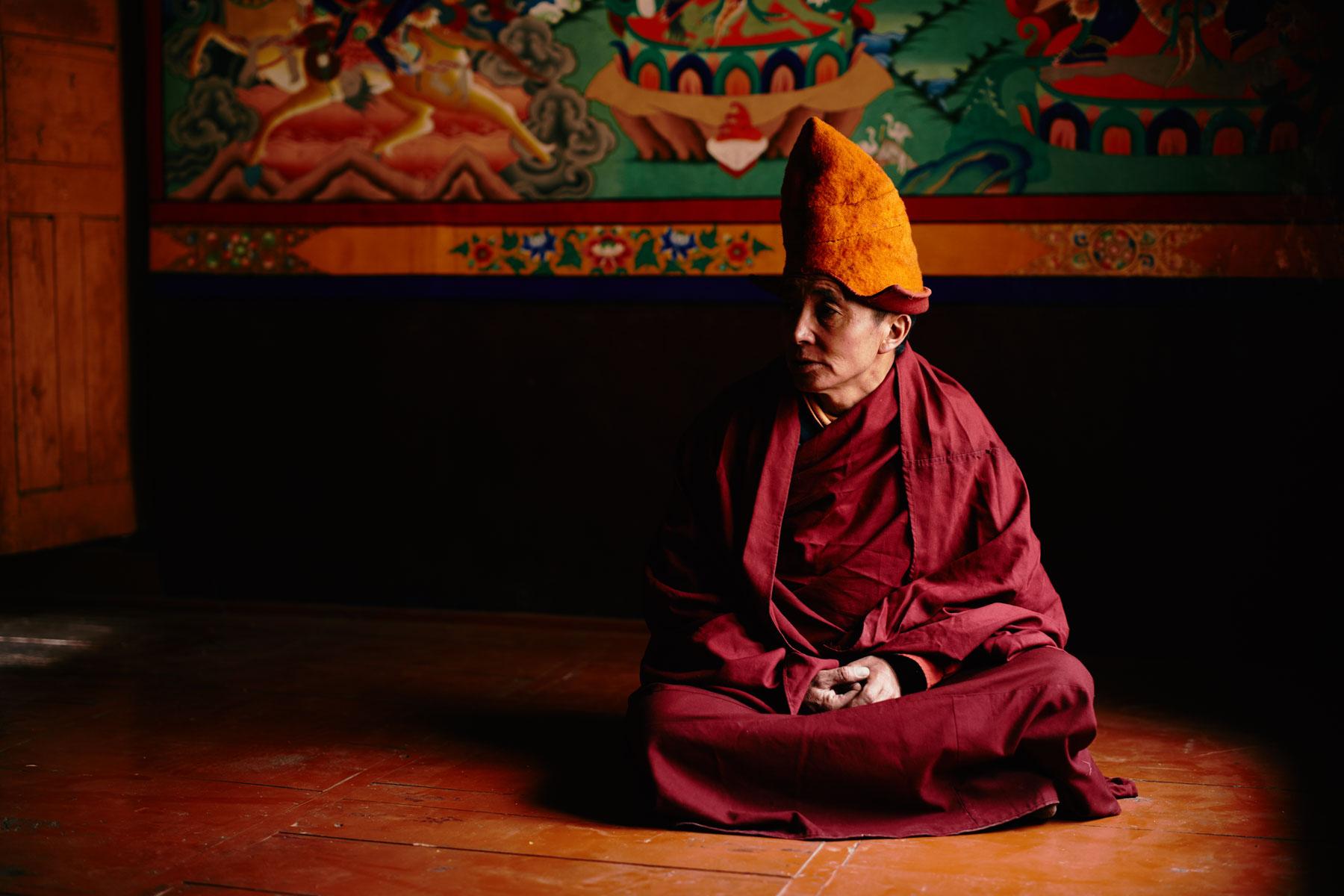 Lama Thsepel vor der Meditation im Kloster von Lingshed/ Ladakh/ Indien, 2018