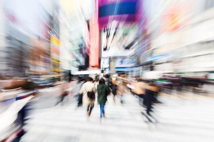 Die Shibuya Kreuzung in Bewegung/ Tokio/ Japan, 2014