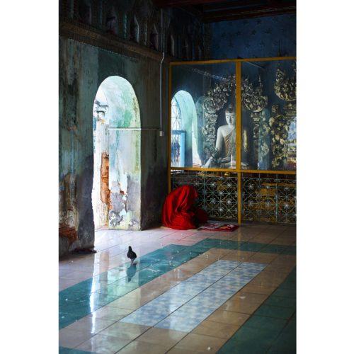 Der meditierende Mönch | Mandalay, Myanmar | Nino Strauch Fotograf Tübingen | Fotokunst