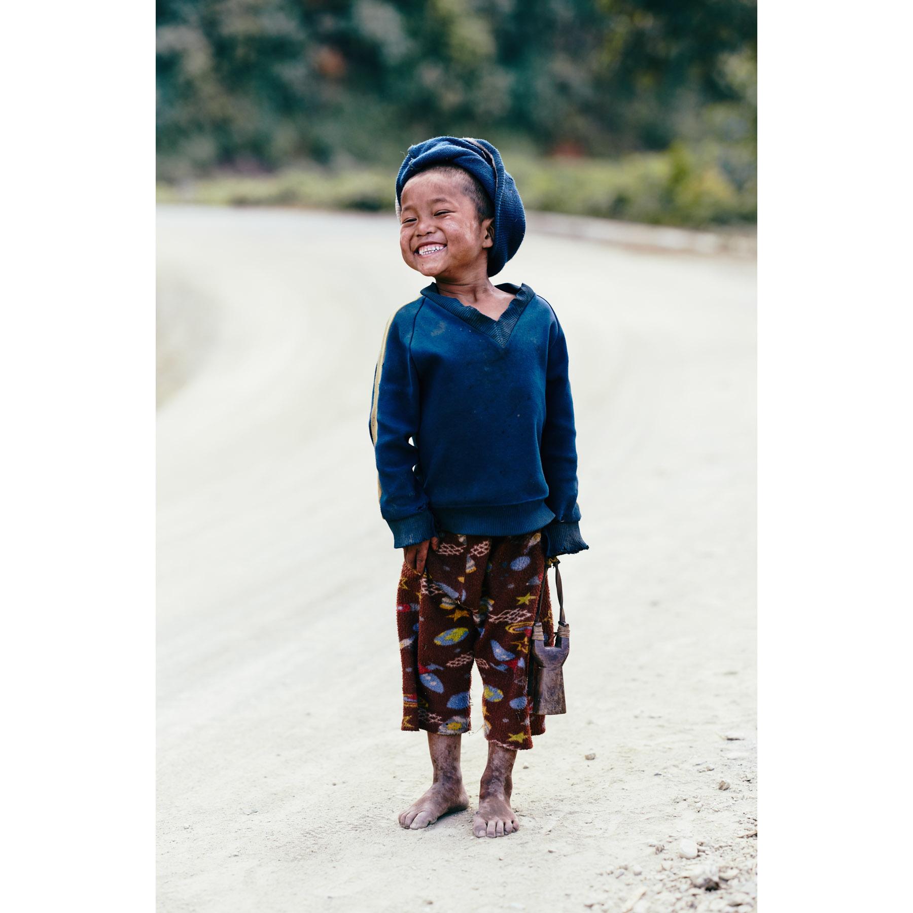 Portrait, lachender Junge | Mindat, Myanmar | Nino Strauch Fotograf Tübingen | Fotokunst
